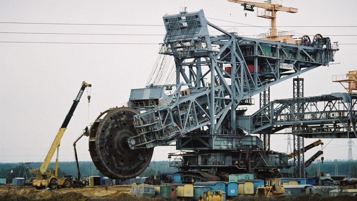 Na czym polega górnictwo odkrywkowe?